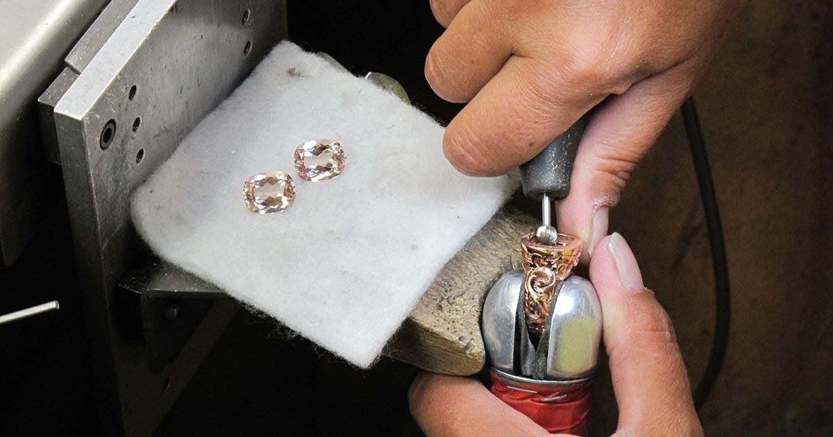 """Hans-Joachim Becker: """"Der Vorteil bei unseren individuellen Anfertigungen ist, dass der Juwelier seinen Kunden einen ganz besonderen Service bieten kann."""""""