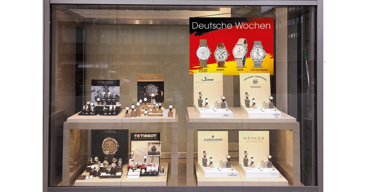 """Flagge zeigen: Warum nicht einmal ein übergeordnetes Thema großflächig ins Schaufenster setzen? Der Hype um Uhren """"Made in Germany"""" eignet sich dafür. Ebenso Holzuhren oder Designer-Uhren."""