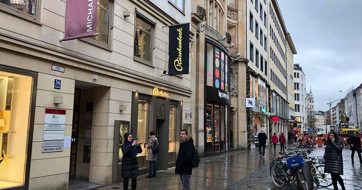 In der Münchner Theatinerstraße eröffnete vor Kurzem die neueste Dependance des Traditionsjuweliers.