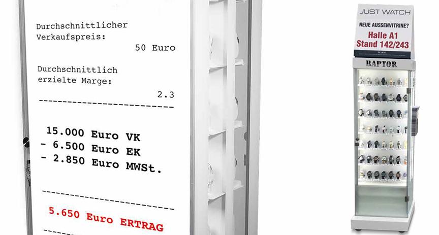 Klare Sache: Die Außenvitrine von Unique Time lohnt sich für den Händler. Er verkauft im Schnitt 300 Uhren und macht damit einen Rohertrag von mehr als 5.000 Euro.