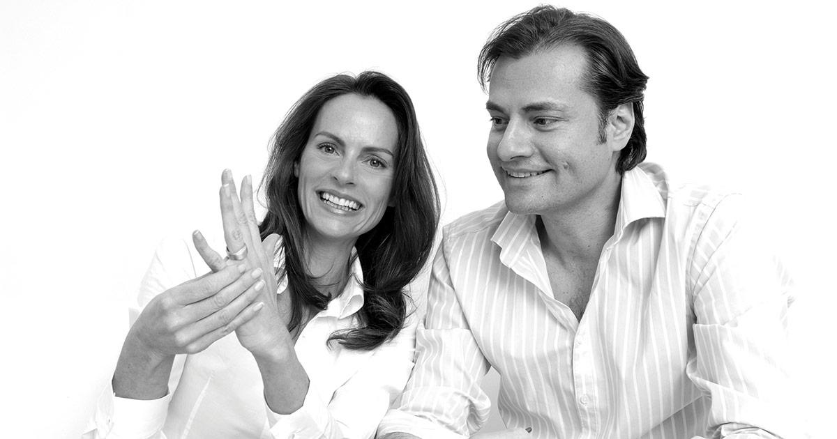Julia Balestra und Marc Richter leiten die Geschicke der Trauringmanufaktur Max Kemper.