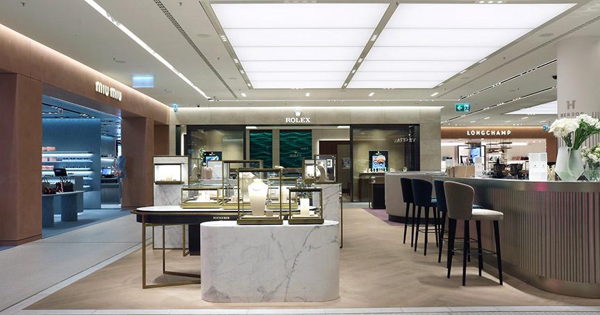 Die Uhren-und Schmuckabteilung des Oberpollinger ist nun ebenfalls umgestaltet. Im Zentrum steht Rolex.
