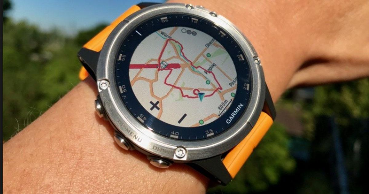 """Die Spotifiy App ist für die Premium Kollektion """"Fenix 5 Plus"""" verfügbar und kann auf der Uhr installiert werden."""