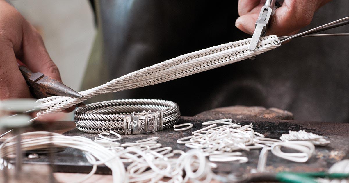Charakterstark: Der Schmuck von Buddha to Buddha wird in Amsterdam entworfen und von den besten Silberschmieden der asiatisch-pazifischen Region aus 925 Sterling-Silber hergestellt.