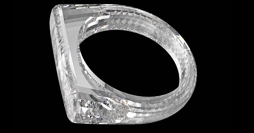Aus purem Diamant, 2.000 bis 3.000 Facetten: Die beiden Industriedesigner Jony Ive und Marc Newson versteigern einen Ring, der komplett aus Diamanten besteht.