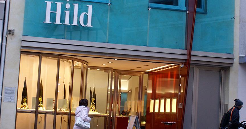 Wolfgang Hild verkauft sein Geschäft in Bonn an Kollege Mauer in Bochum, der nun drei Geschäft in Bonn hat.