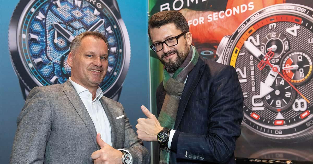 """Bomberg-CEO David Sanchez (r.) und Philipp Kohlermann sagen: """"Bomberg steht für Lifestyle, Kreativität, Design, Provokation und Innovation und das in bester ,Swiss Made'-Qualität mit hervorragendem Preis-Leistungs-Verhältnis."""""""