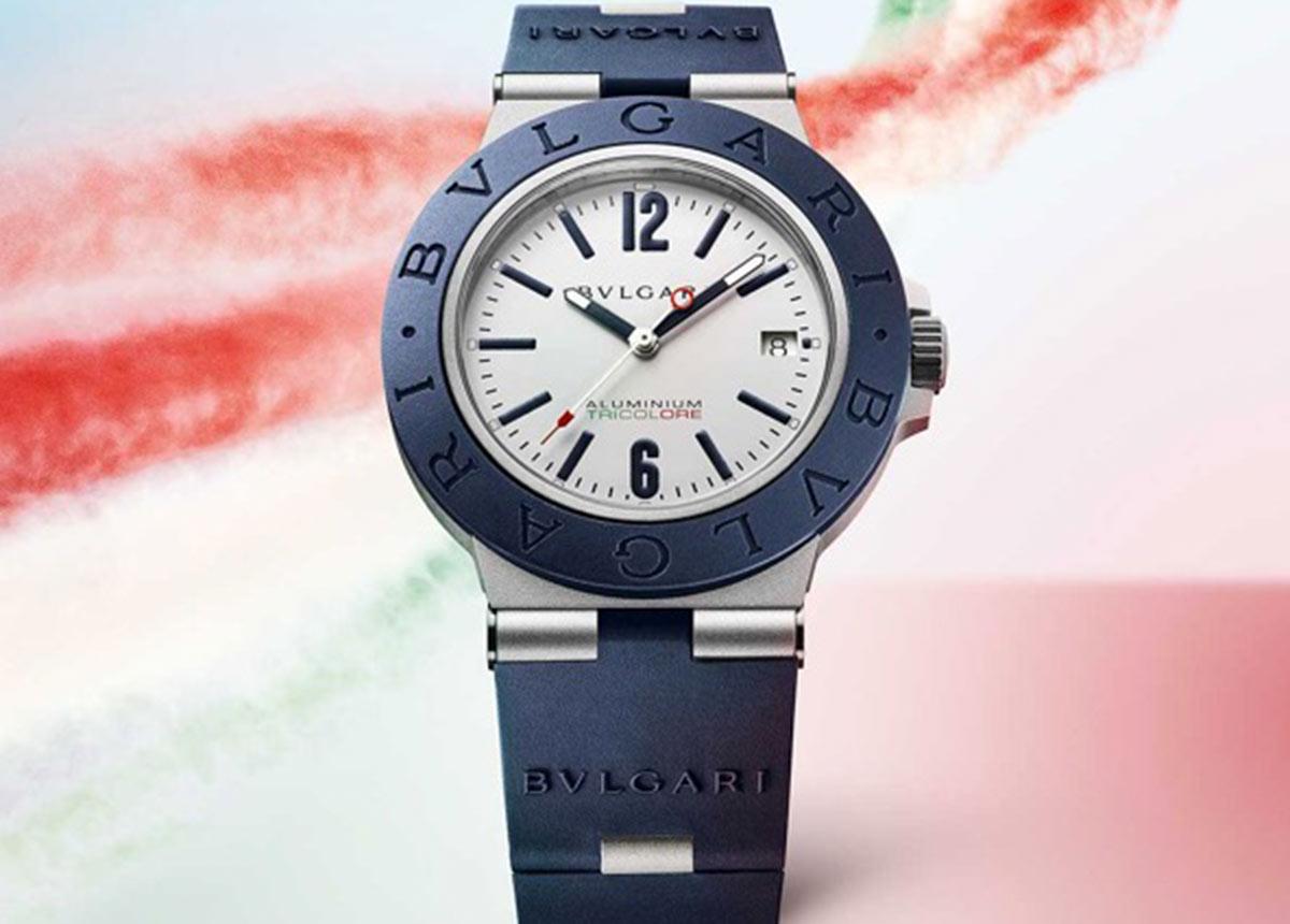 Die Bvlgari Aluminium Tricolore Uhr mit mechanischem Uhrwerk, Automatikaufzug und Datumsanzeige.