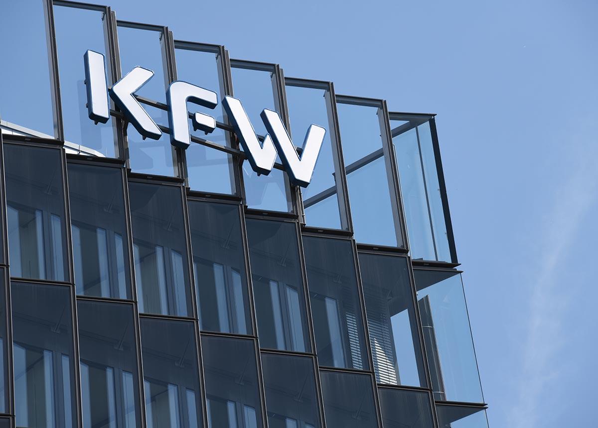 KfW-Barometer: Die Stimmung im Mittelstand verschlechtert sich im Lockdown. (Credit: nitpicker / Shutterstock.com)