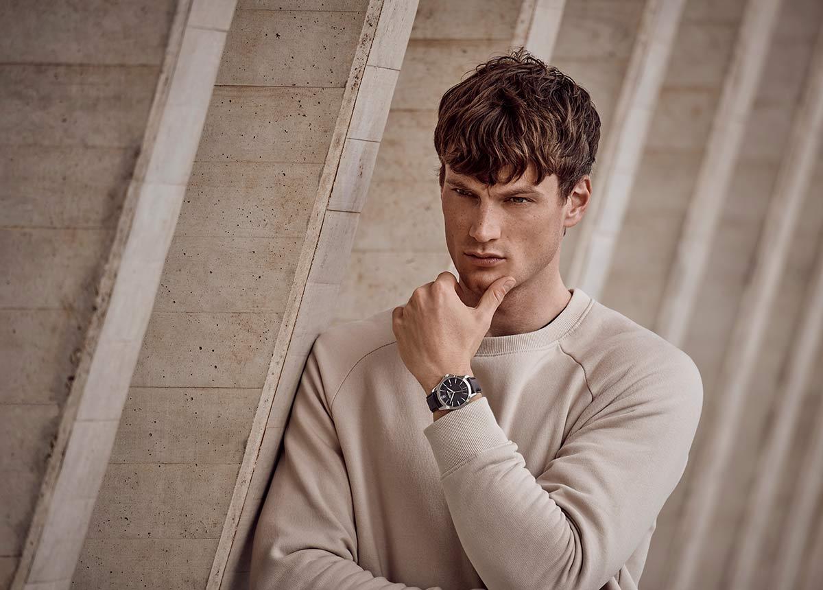 Ab April sind die neuen Uhrenmodelle erhältlich.