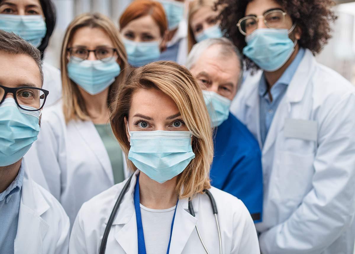 Mediziner wollen die Rückkehr in den Lockdown. (Symbolfoto: Halfpoint / Shutterstock.com)