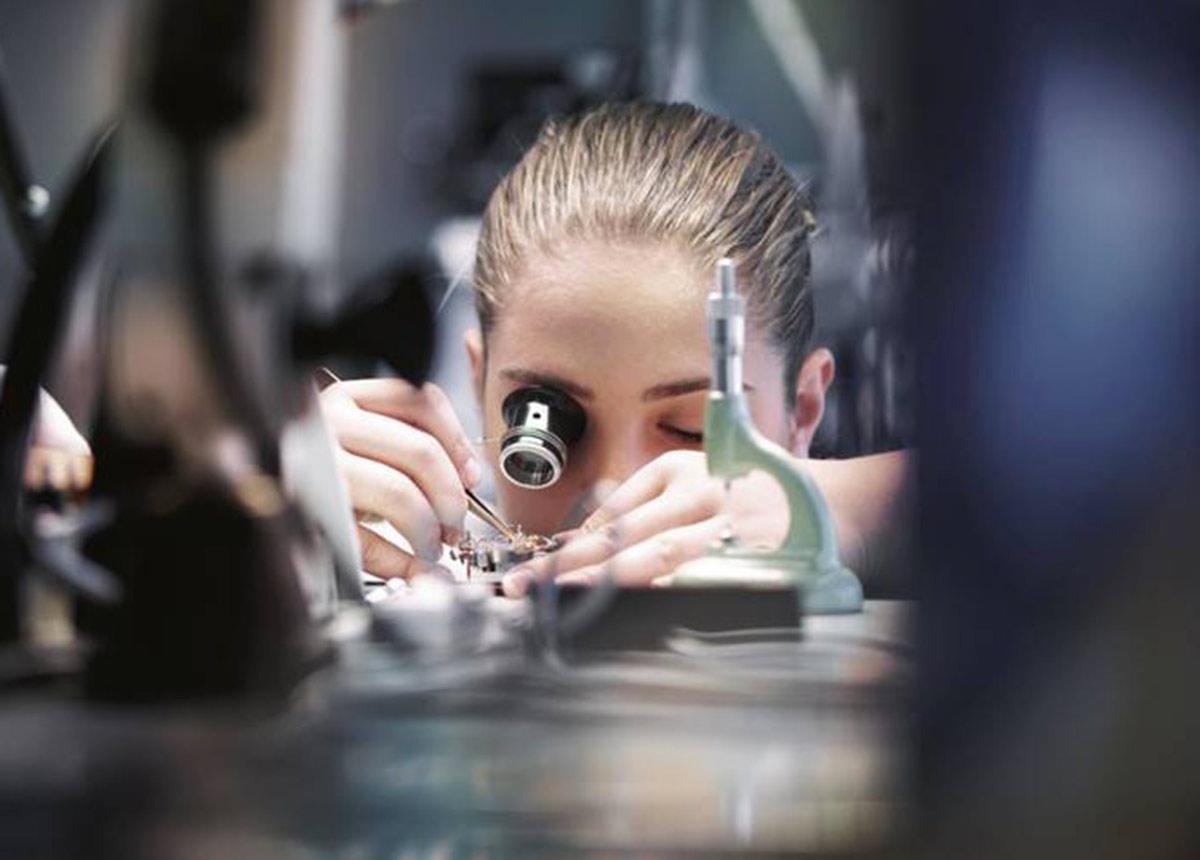 Mit der erfolgreichen Zertifizierung ist IWC dem Ziel näher gekommen, Uhren aus vollständig rückverfolgbaren Edelmetallkomponenten anzubieten.