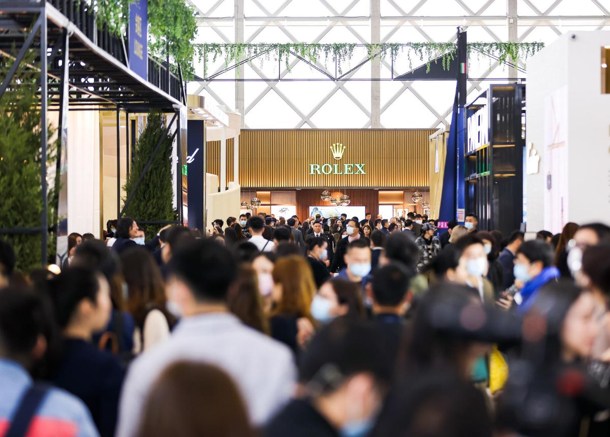 """Nicht nur die Veranstalter von """"Watches and Wonders Shanghai"""" sprechen von einem großen Erfolg. Das Publikumsinteresse vorort war enorm."""