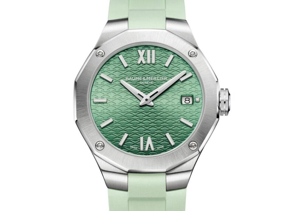 Grün darf nicht fehlen: Die Damen-Riviera Referenz 10611 mit Quarzwerk, Kautschukband und 36 Millimetern Durchmesser.