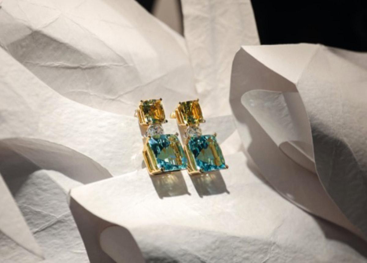 Ohrringe aus 18 Karat Gelbgold und Platin mit Aquamarinen, gelben Beryllen und Diamanten.