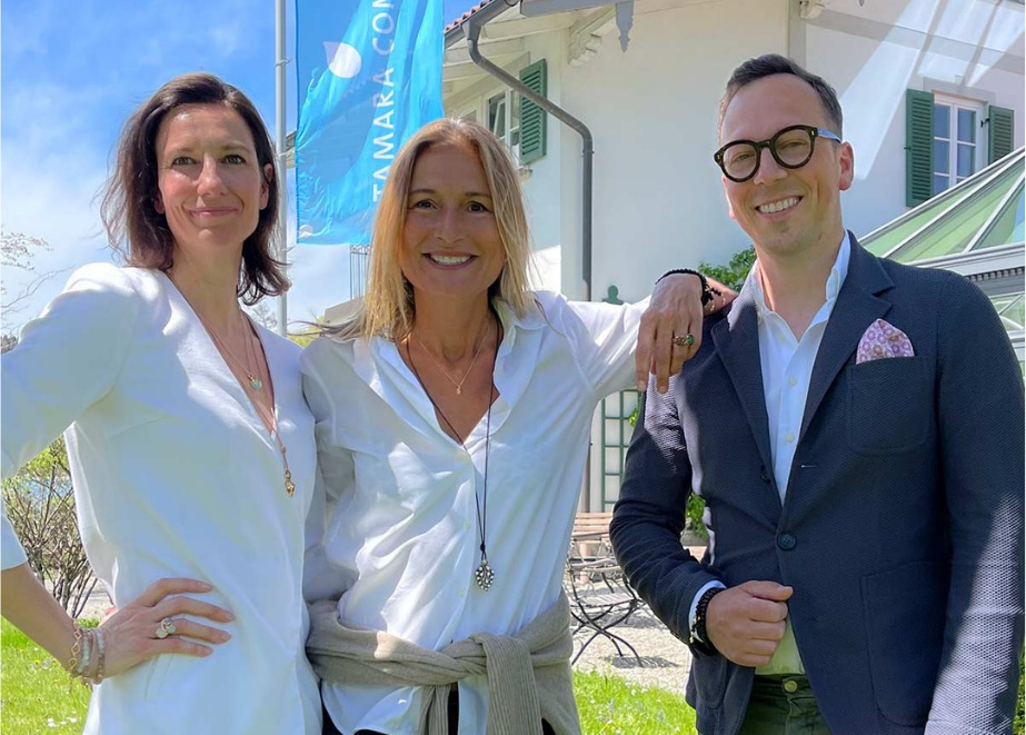 Tamara Comolli (M.) steigt aus. Es übernehmen Sophia Friedl und Tobias Marquardt als Co-Geschäftsführer.