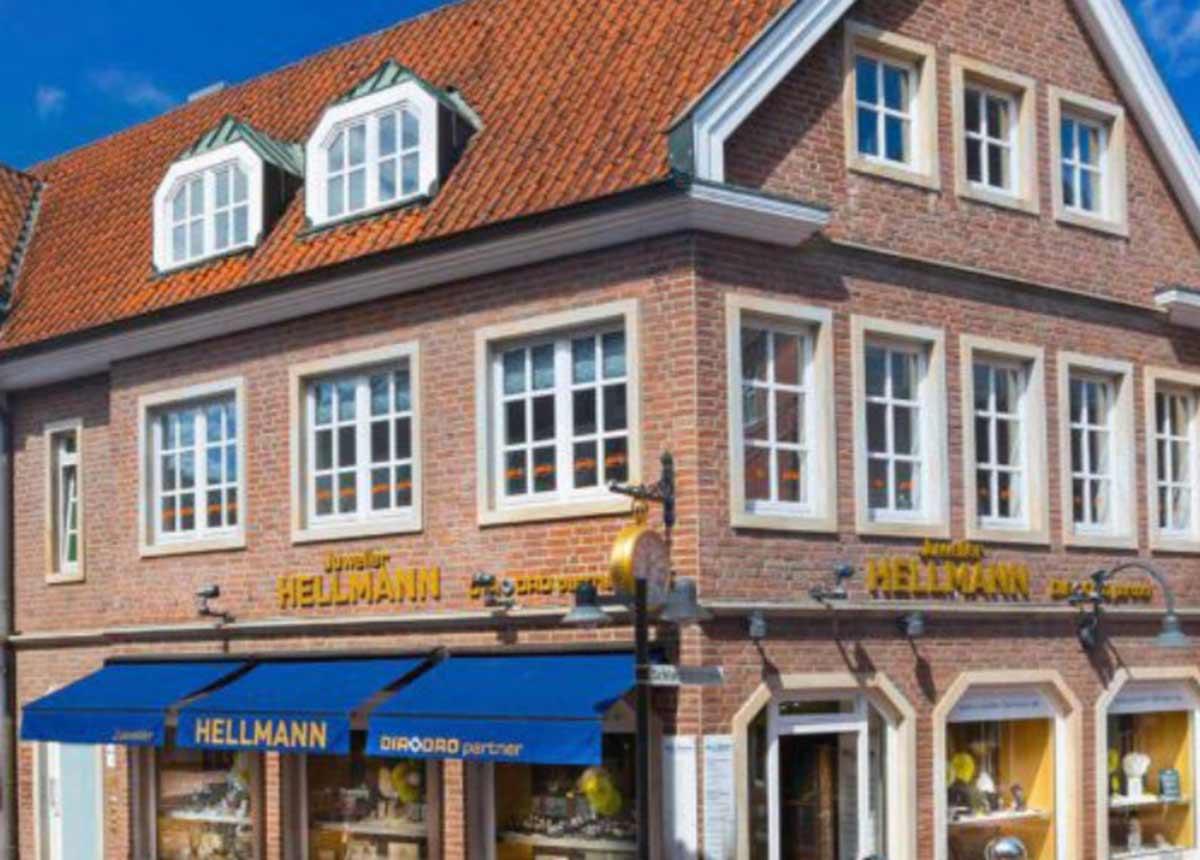 Das Ladengeschäft von Juwelier Hellmann in Lingen wird geschlossen. Nur 200 Meter weiter eröffnet er eine Goldschmiede.