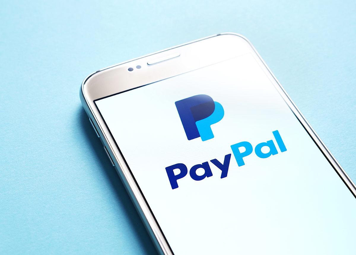 Paypal begründet den Schritt mit Kosten für ungenutzte Geschäftskonten. (Credit: Tero Vesalainen / Shutterstock.com)