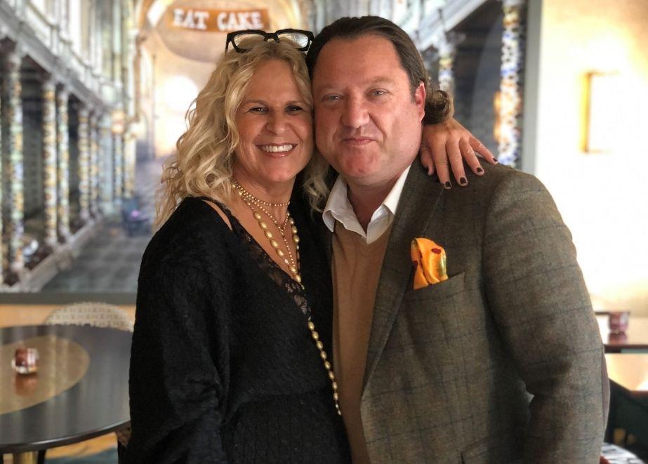 Für sie ist eine gute Partnerschaft mit ihren Juwelieren das Wichtigste: Nanis-Gründerin und -Designerin Laura Bicego und ihr deutscher Repräsentant Norbert Jensen.