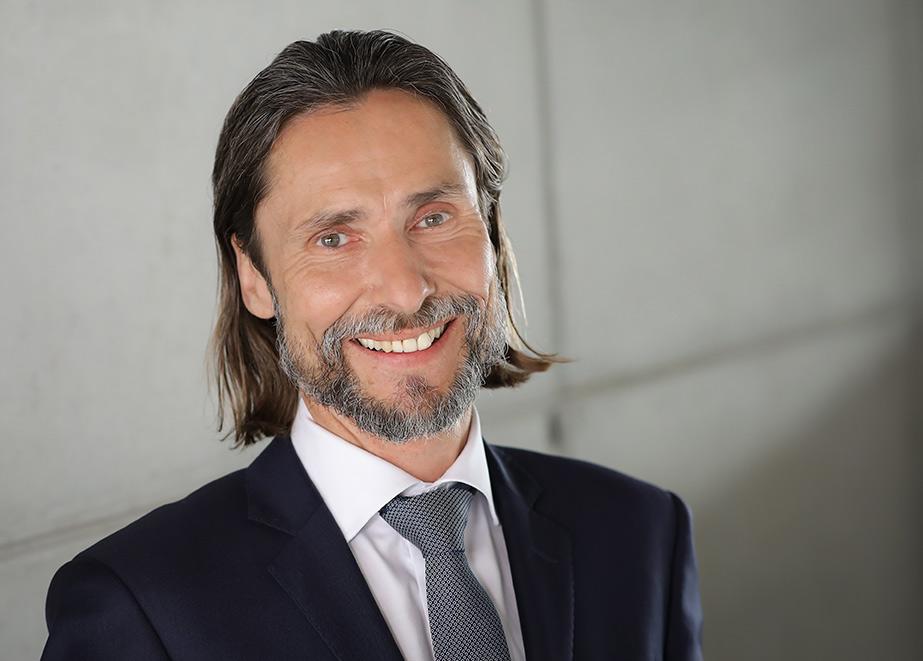 Paukenschlag aus Norderstedt: Marc Czemper von Casio teilt mit, dass alle Vertriebsverträge mit bestehenden Händlern aufgelöst und Gespräche für die Zeit ab Januar 2022 folgen.