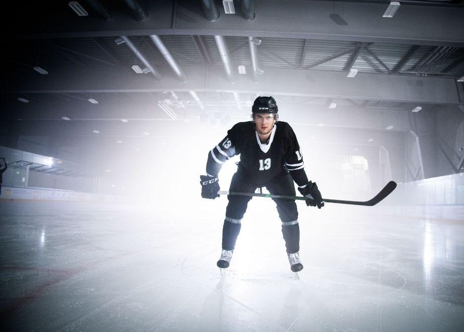 Carl_F_Bucherer_Nico_Hirschier_NHL_Markenbotschafter